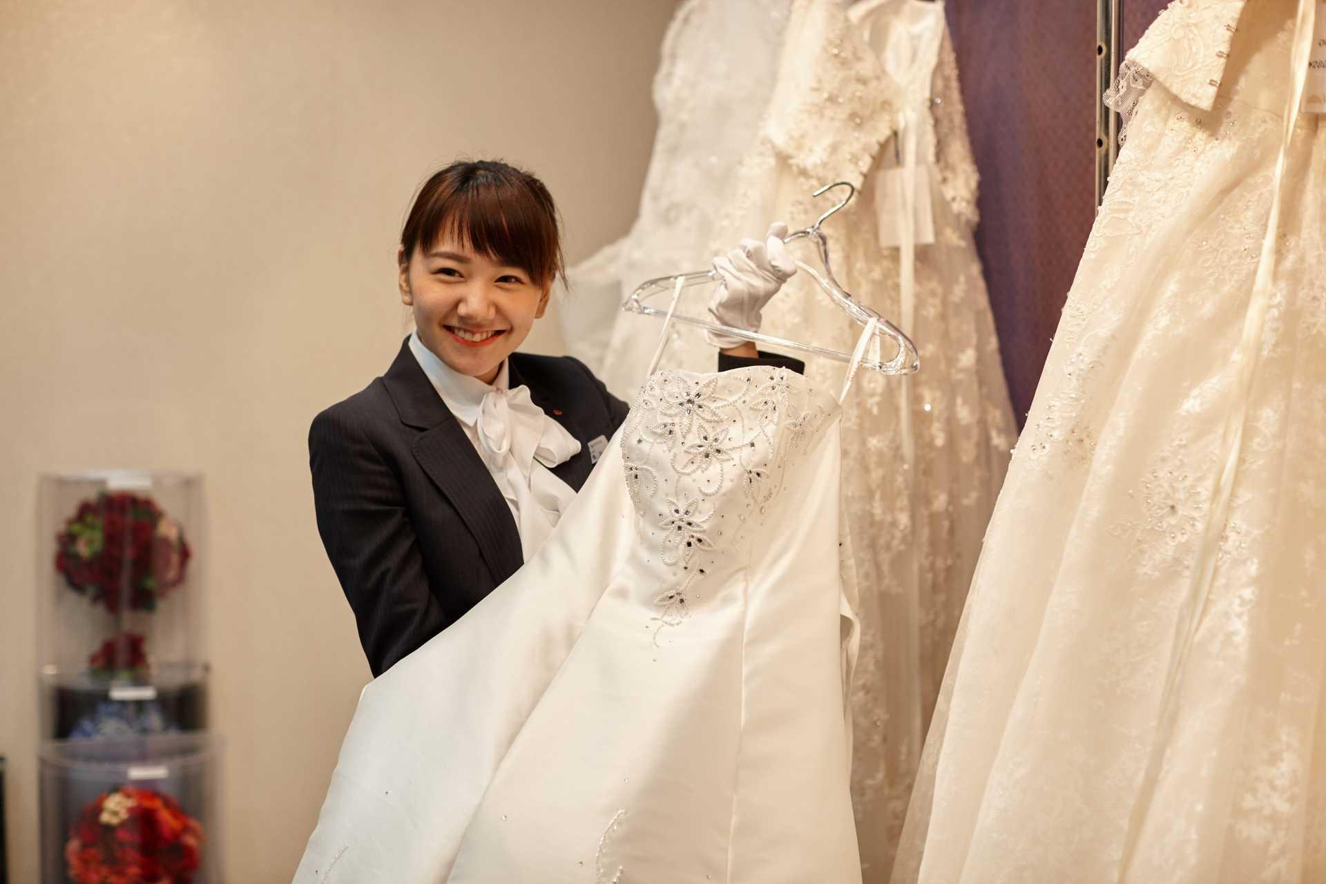 8月21日(金)ドレス試着体験 一足早く、花嫁体験